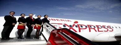 ERTE Iberia Tripulantes de Cabina 390x146 - El Corte Inglés: 25.000 trabajadores afectados por el ERTE