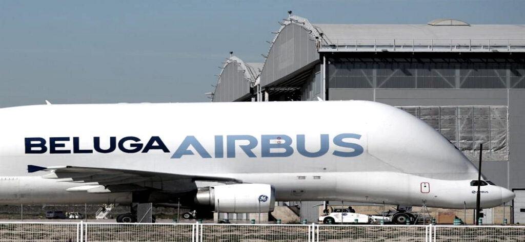 Empleo Airbus Angar Avion
