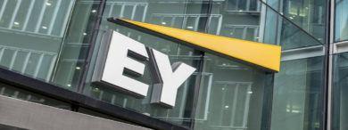 Empleo FirmaEY Fachada 390x146 - La Consultora EY necesita contratar a 1200 profesionales