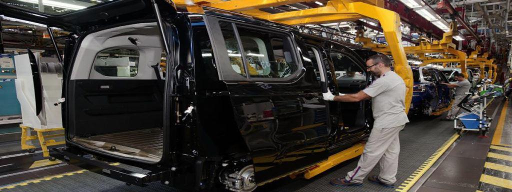 Grupo PSA busca 1200 trabajadores para desarrollar nuevo modelo de Peugeot