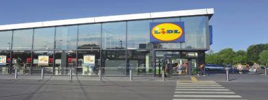Empleo Lidl fachada 111 390x146 - Lidl tiene abiertas 90 ofertas de empleo en varias localidades