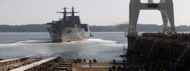 "Botadura Del Buque Aor ""stalwart"" Para La Marina Australiana"