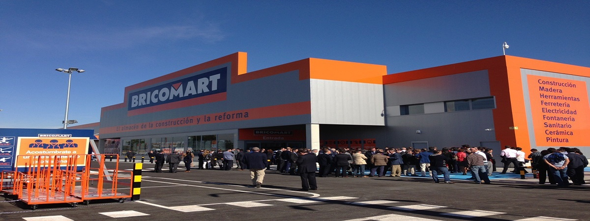 Empleo bricomart fachada - Bricomart busca 230 personas para trabajar