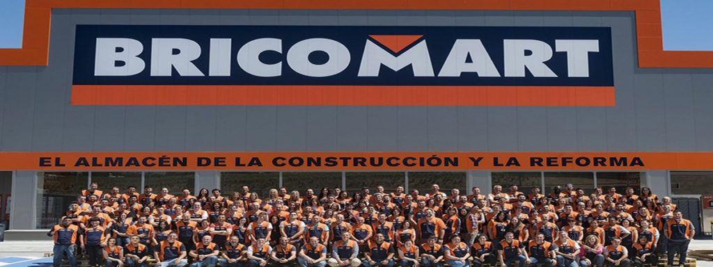 Empleo bricomart fachada1 1024x384 - Bricomart precisa vendores, personal de logística y de oficina