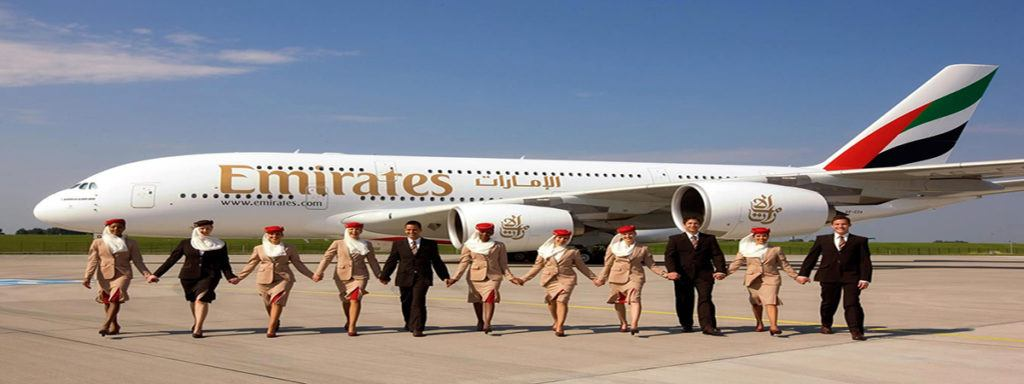 empleo Emirates 1024x384 - Emirates ofrece trabajos con 2.400 euros y casa incluida
