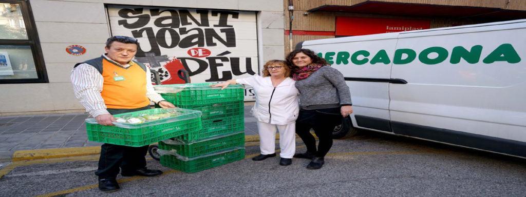 Donacion De Alimentos De Mercadona A La Asociacion San Joan De Deu, En Valencia.