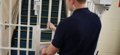 oposiciones trabajo prisiones 390x180 - Enviar Curriculum Vitae